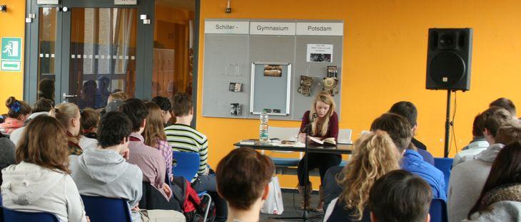 """Sonja Vukovic liest aus """"Christiane F. - mein zweites Leben"""""""